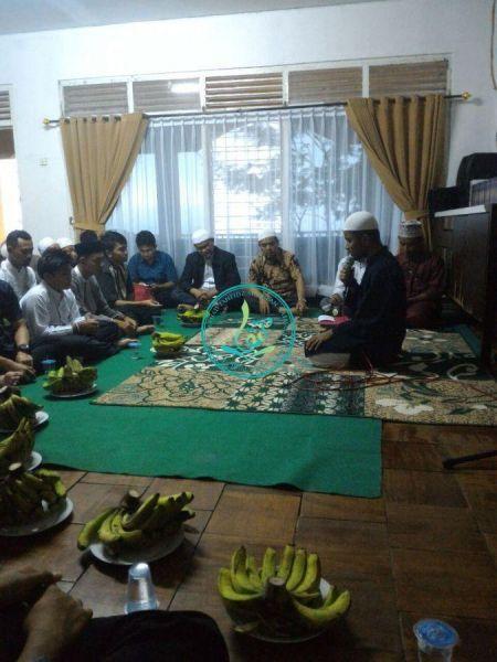 Pembacaan-ayat-suci-Al-Quran-oleh-salah-seorang-peserta-dauroh