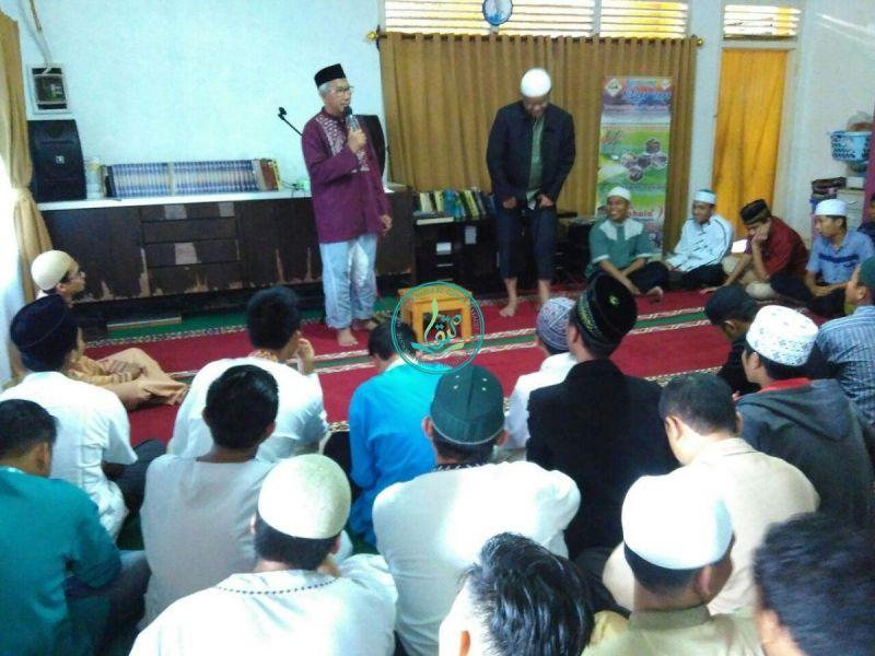 Sambutan dari Ust. Endy Muhammad Astiwara, salah satu peserta tertua dauroh tertua.