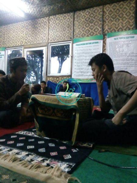 Mursyid Yaqin (kiri), usia 24 tahun, asal Sulawesi Selatan