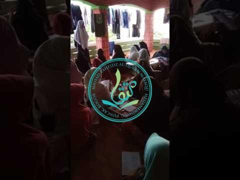 Santri Putri MataQu Tengah Belajar Bahasa Arab (01/08/2017)
