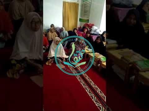 Santri Putri Tahfizh MataQu Belajar Bahasa Inggris (04/09/2017)